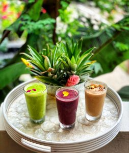 Freshly made smoothies & juices